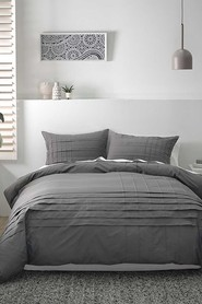 DECO Spencer plain dyed pin tucked quilt cover set db