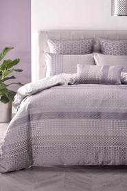 LINEN HOUSE Isadore jacquard quilt cover set kb