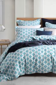 LOGAN AND MASON Forde Ocean Jacquard Quilt Cover Set