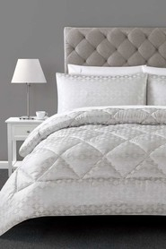 ELYSIAN Bexton Diamond Comforter Set Queen Bed