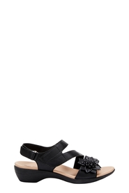 HUSH PUPPIES ABELIA FLOWER STRAP SANDAL