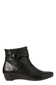 SAVANNAH Ives circle detail ankle boot
