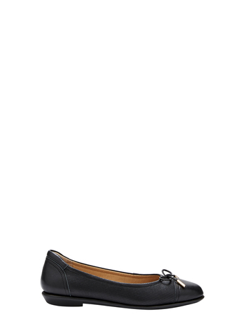 608a12666 Flat Shoes for Women Online | Harris Scarfe