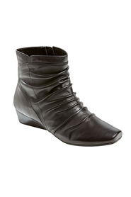 DF SUPERSOFT Rosal Ruched Front Leather Ankle Boot
