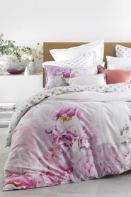 LOGAN AND MASON Peony Blush Quilt Cover Set KB