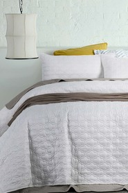 ACCESSORIZE Opaco Embossed Quilted Coverlet Set QB/KB