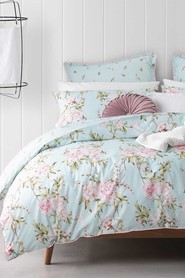 LOGAN AND MASON Elle Mint Quilt Cover Set Queen Bed