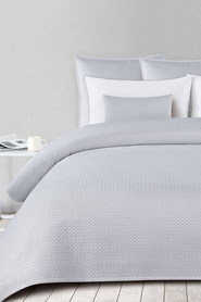 SHAYNNA BLAZE Newhaven Quilted Coverlet