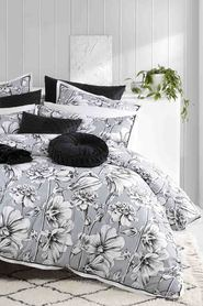 LOGAN AND MASON Jacinta Silver Quilt Cover Set Queen Bed