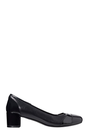 HUSH PUPPIES FLOYD TOE CAP CLASSIC COURT SHOE