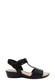 HUSH PUPPIES Clover T Bar Heel Sandal